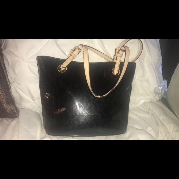 0f9ecbe67a51 Michael Kors Bags | Black Mk Purse | Poshmark